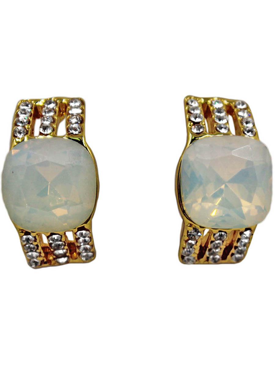 Серьги Taya, цвет: золотистый, опал. T-B-11314-EARR-GL.OPALПуссеты (гвоздики)Серьги-гвоздики с заглушкой металл-пластик изготовлены из гипоаллергенного бижутерного сплава. Нежные сережки выполнены в форме полукруга с вставками из матовых камней.