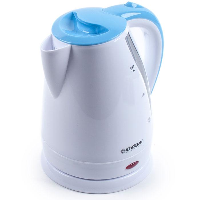 Endever Skyline KR-360 чайник электрическийKR-360Дисковый нагревательный элемент электрочайника Endever Skyline KR-360 обеспечивает надежность и долговечность. Эргономичная ненагревающаяся ручка оптимальна для безопасного разлива, а индикатор уровня воды позволяет контролировать количество воды в чайнике. Беспроводное соединение позволяет вращать чайник на подставке на 360°.