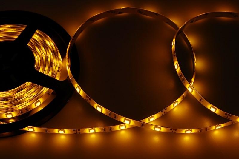 LED лента герметичная в силиконе, ширина 10 мм, IP65, SMD 5050, 30 LED/метр, 12V, цвет LED желтый