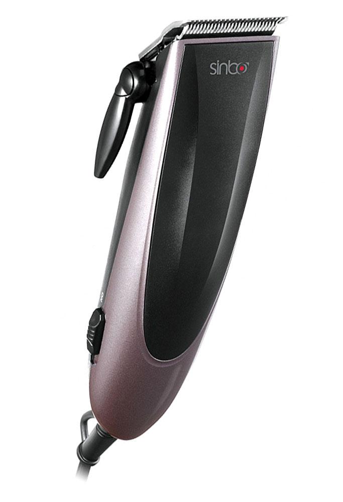 Sinbo SHC 4353 машинка для стрижки волосSHC 4353Машинка для стрижки Sinbo SHC 4353 имеет эргономичный корпус и проста в управлении. Ножи из нержавеющей стали с острой заточкой справятся даже с густыми или жесткими волосами и прослужат долго. Длину стрижки можно регулировать при помощи четырех насадок в диапазоне от 3 до 12 мм. В комплекте также есть щетка для очистки лезвий.Sinbo SHC 4353 работает от сети и имеет удобную петлю для подвешивания. В устройстве установлен мощный мотор, который работает с низким уровнем шума. Машинка для стрижки имеет небольшой вес, удобную форму и комфортно будет лежать в руке. Компактные размеры позволят без проблем найти место для хранения дома и брать прибор с собой в путешествия.