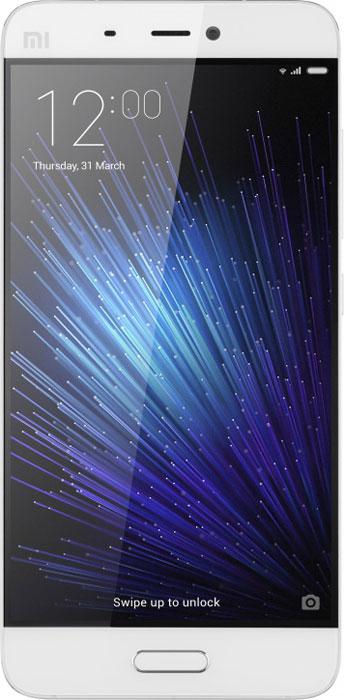 Xiaomi Mi 5 (32GB), White6954176860477Xiaomi Mi 5 демонстрирует впечатляющие показатели по сравнению с предшествующей версией: флагманский процессор Snapdragon 820 обеспечивает вдвое большую производительность, а прирост в скорости работы флеш-памяти UFS, графического процессора Adreno 530 и двухканальной оперативной памяти LPDDR4 составляет соответственно 87%, 40% и 100%.Вес смартфона составляет всего 129 граммов при наличии 5,15-дюймового экрана. Корпус имеет фигурные торцы с 3D кромкой и изогнутую стеклянную панель, которая удобно ложится в руку и обеспечивает приятные тактильные ощущения.Модель имеет четырехосный оптический стабилизатор изображения, который по сравнению с двухосным стабилизатором большинства обычных смартфонов лучше справляется с дрожанием камеры и позволяет создавать более четкие снимки при темном освещении во время движения или фотографирования одной рукой.Дисплей диагональю 5,15 дюймов оснащен 16 светодиодами, которые обеспечивают повышение яркости на 30%, благодаря чему изображение остается четким и насыщенным при любом освещении.Xiaomi Mi 5 поддерживает технологию NFC для безналичных платежей, новейшую версию Quick Charge 3.0 для ускоренной зарядки аккумулятора, а также многие другие разработки, призванные оптимизировать работу смартфона и увеличить его возможности.Новейший Snapdragon 820 представляет собой воплощение последних научно-технических достижений и обладает превосходной производительностью. Использование техпроцесса 14 нм обеспечило снижение расхода энергии, а внедрение технологии «Low power island» позволило разгрузить процессор и уменьшить общее энергопотребление системы.Оптимизация также затронула и графический процессор, архитектуру набора команд, аудио-модуль и другие компоненты, обеспечив превосходные впечатления от быстродействия смартфона.Камера Xiaomi Mi 5 претерпела значительную оптимизацию: объектив укрепился сапфировым стеклом, в качестве светочувствительного датчика был выбран Sony IMX298, для повышения качества сним