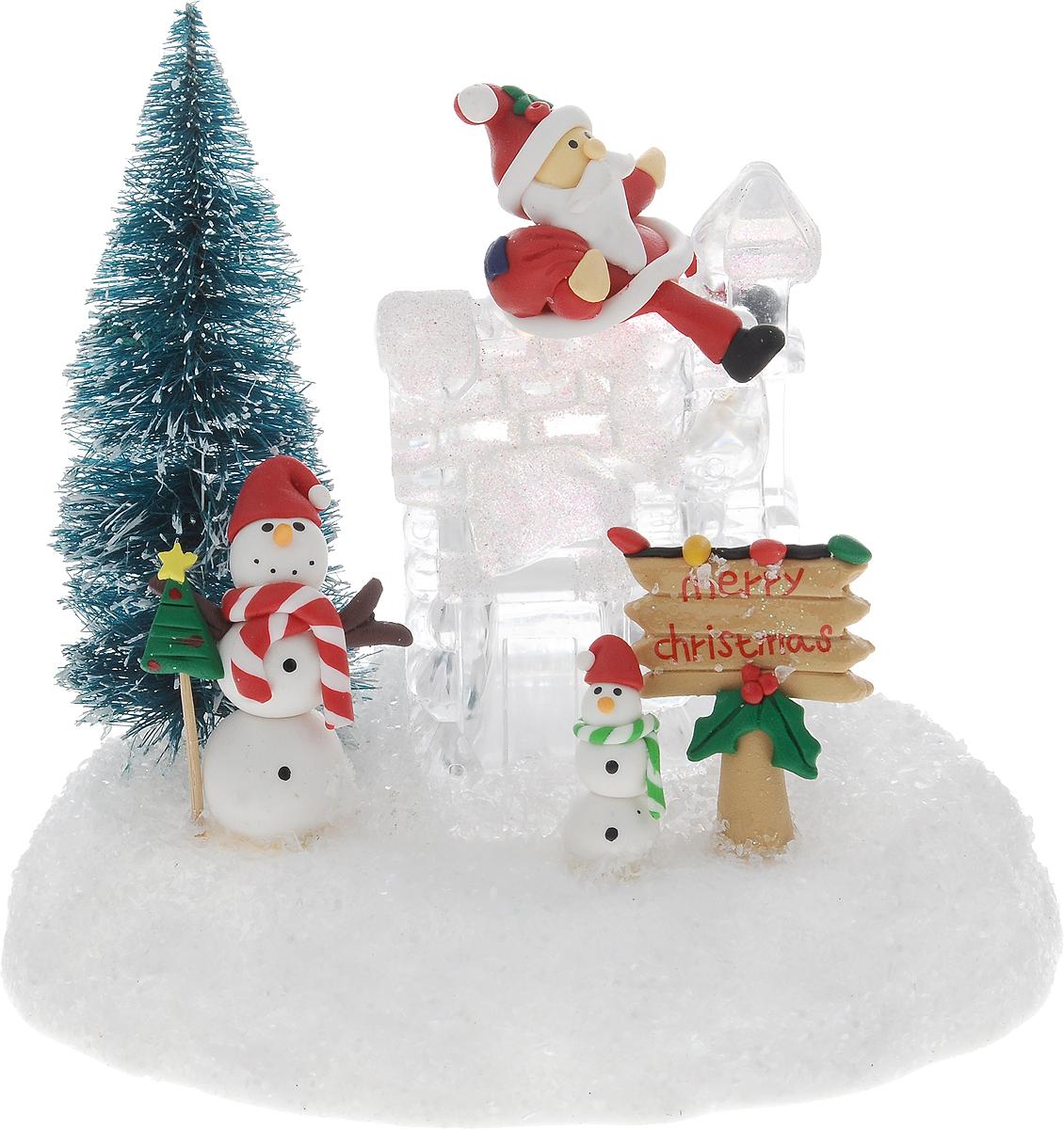 Светильник новогодний Win Max Ледяной домик, 15 х 11 х 18 см119894Декоративный мини-светильник Win Max Ледяной домик, изготовленный из пластика и акрила и оснащенный одной LED лампами. Он прекрасно оформит интерьер вашего дома или офиса в преддверии Нового года. Оригинальный дизайн и красочное исполнение создадут праздничное настроение. Кроме того, это отличный вариант подарка для ваших близких и друзей.Светильник работает от 2 батареек типа AАA (не входят в комплект).