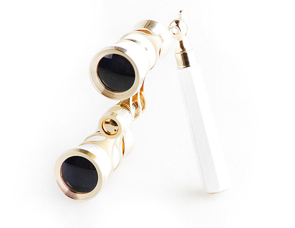 Бинокль Veber Opera, цвет: белый, БГЦ 3х25 E0310986Светосильный, корпус — металл, оптическое стекло с просветлением. Отделка глянцевым белым лаком и напыленным 18-ти каратным золотом. Регулируемое межзрачковое расстояние, фокусировка, лорнет.ОПИСАНИЕ Театральный бинокль Veber Opera БГЦ 3x25 - не только изящный аксессуар, но и незаменимый помощник в наблюдениях театральных, цирковых, эстрадных представлений, верный спутник на экскурсиях.Классическая галилеевская оптическая схема с центральной внутренней фокусировкой, заключенная в белый лакированный корпус с позолоченными (18к) элементами. Трехкратное увеличение и широкое поле зрения позволят вам насладиться представлением даже с галерки.Телескопическая длина ручки 10 -16 см.ОсобенностиГалилеевская оптическая системаЦентральная внутренняя фокусировка3-х кратное увеличениеКомплектацияБинокльФутляр-мешочекТкань для протирки оптикиРуководство по эксплуатации и гарантийный талонХарактеристикиУвеличение, крат 3Диаметр объектива, мм 25Вес, г 210Цвет белый/золотой