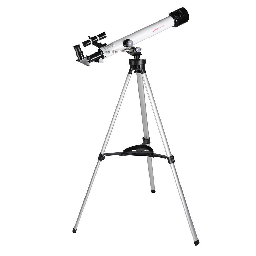 Veber 21161, White телескоп21161Veber 21161 - походный вариант телескопа в жестком противоударном кейсе и с богатой комплектацией. В жесткий противоударный кейс размером 750 мм на 340 мм (и крышка и дно кейса сделаны из двух слоев пластика, разделенного воздушным промежутком), уместился сам телескоп, штатив с полочкой, четыре окуляра, компас, фокусер… Его можно брать с собой для вылазок на природу и использовать как мощную зрительную трубу днем, а как телескоп — в темное время суток. Минимальное увеличение — 35х, максимальное — 262х. Промежуточные значения увеличений обеспечиваются подбором соответствующих окуляров и линзы Барлоу, входящих в комплект. Удобная альт-азимутальная монтировка. Чтобы управлять телескопом по горизонту, следует вращать большое кольцо на головке штатива. Движение по вертикали: быстрая наводка делается трубой вручную и найденное положение фиксируется стопором, далее точная настройка осуществляется уже с помощью колесика, расположенного на рычаге тонкой настройки по высоте. Высота штатива — 110 см, она оптимальна для наблюдений из положения стоя — ведь окуляр расположен под углом 90° к трубе. Минимальная высота штатива — 60 см — позволяет вести наблюдение из положения сидя. В этот телескоп можно увидеть кратеры Луны диаметром около 10 км, Венеру, Марс.Труба телескопа снабжена съемной солнечной блендой, которая не только защищает при дневных наблюдениях от паразитных засветок, но и благодаря своей глубине (90 мм), предохраняет от повреждений объектив. На выходе телескоп дает прямое (не перевернутое изображение) а высокое качество картинки, обеспечивается целым рядом технических нюансов, таких как: ахроматический объектив, хорошее чернение трубы изнутри — для устранения паразитных переотражений, окуляры Кёльнера (не самой простой конструкции) и.т.д. Искатель с 6х увеличением для быстрого наведения на цель, расположен под углом 45° к окуляру и не мешает при наблюдениях.