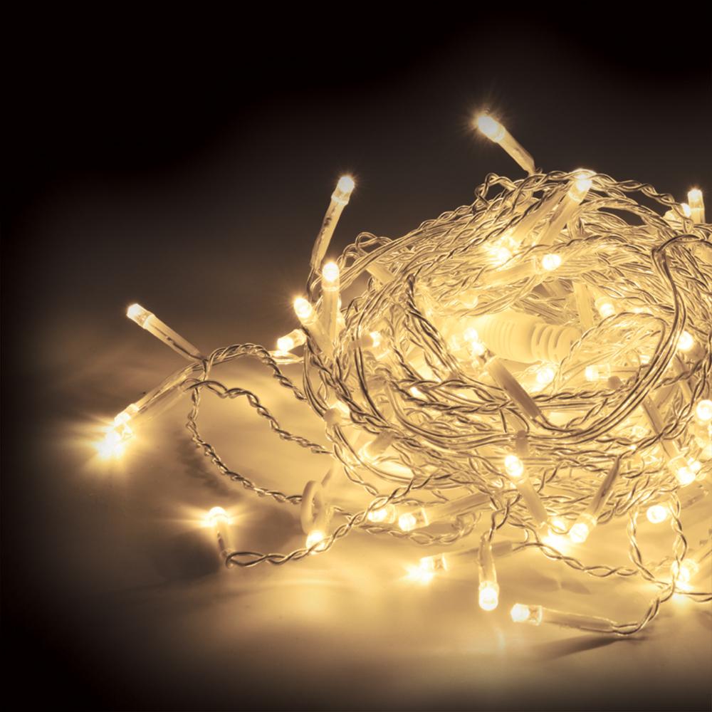 Гирлянда-конструктор электрическая Vegas Бахрома, 72 лампы, 18 нитей, свет: теплый, длина 3 м55011Новогодняя электрическая гирлянда Vegas Бахрома предназначена для внешнего и внутреннего декорирования (дома, рестораны, загородные дома, мероприятия). Может применяться как в зимний период, так и летом. Электрогирлянда Бахрома имеет прозрачный провод и состоит из 18 нитей и 72 LED лампы. Все гирлянды конструкторы серии Vegas соединяются между собой, как однотипные гирлянды, например, нить, так и различной конфигурации: нить с бахромой, занавесом, звездой и т.п. Есть возможность последовательного соединения до 1 500 LED. Трансформатор НЕ входит в комплект! Приобретается отдельно. Без трансформатора Vegas гирлянду невозможно подключить к электричеству. Электрогирлянды и аксессуары марки Vegas не подключаются к электрогирляндам других производителей. Преимущества гирлянд ТМ Vegas: - абсолютная безопасность для людей и животных (питание 24 v); - большой срок службы (до 25 000 часов); - универсальность (гирлянды имеют прозрачный провод, который впишется в любую цветовую интерьерную гамму, и соединяются между собой при помощи единых влагозащитных коннекторов); - широкий температурный диапазон (возможность использования дома и на улице) температурный режим (от -30°С до +50°С) НО! Монтаж до -15°С;- возможность индивидуального, неповторимого дизайна (широкий выбор форм и размеров, возможность подключения до 1 500 LED в одну линию, вся цепь работает от одной розетки без заметной потери яркости); - для индивидуальной сборки системы вам помогут дополнительные аксессуары: Удлинитель - позволяет удлинить системуУдлинитель с розетками - позволяет удлинить систему и присоединять до пяти ответвлений разной конфигурацииПровод с 20 ответвлениями - позволяет удлинять систему и создавать световой занавес любой длиныРазветвитель - позволяет удлинять систему и подключать одновременно до пяти гирлянд из одной точки (с помощью разветвителя украшают деревья, кустарники и другие объекты); - наде