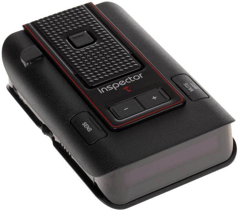 Inspector RD X3 TAU, Black радар-детекторRD X3 TAUInspector RD X3 TAU - это высокотехнологичное устройство, включающее в себя высококачественный радар-детектор для обнаружения сигналов радаров ГИБДД и GPS-информатор с широким функционалом и обновляемой базой GPS координат.Радар-детектор - устройство, позволяющее определить сигнал радара ГИБДД, который используется для определения скорости движения вашего автомобиля. Такое предупреждение позволит вам заблаговременно сбросить скорость вашего автомобиля в случае, если она превышает допустимую правилами данного участка движения, и избежать штрафа за нарушение.GPS-информатор - устройство, предназначенное для заблаговременного оповещения о стационарных объектах контроля скорости, благодаря внесенной в память устройства базе координат. Эта база данных является обновляемой и содержит координаты стационарных, малошумных радаров, безрадарных комплексов видеофиксации типа Автодория, камер контроля полосы движения для общественного транспорта и тому подобного.Индикация мощности сигнала радараФильтр ложных срабатыванийРежимы: Трасса/Город 1/Город 2/Город 3/IQАвтоприглушение громкостиВыборочное отключение диапазоновПамять настроекОбновляемая база GPSВыборочное отключение объектов БДВозможность сохранения дополнительных объектовОтображение расстояния до объекта оповещенияНастраиваемые пороги скоростиНастраиваемая дальность оповещенийПриоритет оповещенийЭлектронный компас