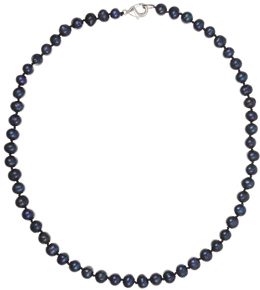 Бусы Art-Silver, цвет: синий, длина 45 см. КЖ7-8А45-414Колье (короткие одноярусные бусы)Бусы Art-Silver подчеркнут изящество и непревзойденный вкус своей обладательницы. Они выполнены из бижутерного сплава и культивированного жемчуга диаметром 7 мм.Изделие оснащено удобным замком-карабином.Культивированный жемчуг — это практичный аналог природного жемчуга. Бусинки из прессованных раковин помещаются внутрь устрицы и возвращаются в воду. Когда бусины покрываются перламутром, их извлекают из моллюска. Форма жемчужины получается идеально ровной с приятным матовым блеском.