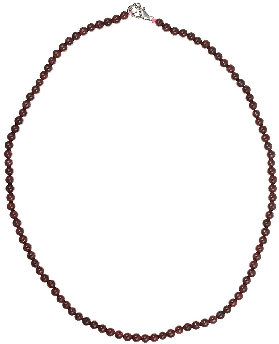 Бусы Art-Silver, цвет: гранатовый, длина 45 см. ГР4-45-251Колье (короткие одноярусные бусы)Бусы Art-Silver подчеркнут изящество и непревзойденный вкус своей обладательницы. Они выполнены из бижутерного сплава и гранатовых бусин диаметром 4 мм.Изделие оснащено удобным замком-карабином.Гранат считается талисманом влюбленных, поэтому его дарят как выражение своих чувств любви и дружбы. Также гранат приносит своему владельцу счастье, благополучие и успех. Бусины из граната отличаются особенно живой аурой и энергетикой, сморятся респектабельно и элегантно.