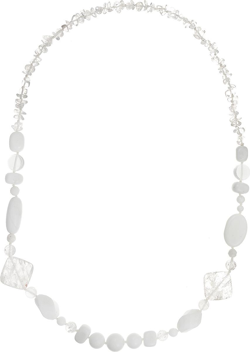 Бусы Art-Silver, цвет: белый, прозрачный, длина 80 см. А-13-10-837Колье (короткие одноярусные бусы)Бусы Art-Silver подчеркнут изящество и непревзойденный вкус своей обладательницы. Они выполнены из кахолонга и горного хрусталя.Изделие оснащено удобным замком-карабином.Горный хрусталь - это кристаллический кварц, бесцветный и прозрачный, похожий на застывшие кусочки льда. Древние греки верили, что это лёд, впитавший космическую энергию и из-за этого потерявший способность таять. Для усиления лечебных свойств горного хрусталя его заряжают солнечными лучами. Считается, что он распространяет вокруг себя живительную энергию, не только очищая воздух, но и впитывая при этом напряженную негативную атмосферу. Кахолонг - непрозрачная разновидность опала. Представляет собой камень молочно-белого цвета, из-за чего получил название жемчужного опала. Стихия кахолонга - Земля. Он способен успокаивать, укрощать вспышки гнева, избавлять от депрессивного состояния. Этот кристалл - талисман для беременных женщин и матерей. Бусы из этих благородных камней выглядят как произведение искусства. Такое украшение станет изюминкой вашего образа и добавит лоск и элегантность.