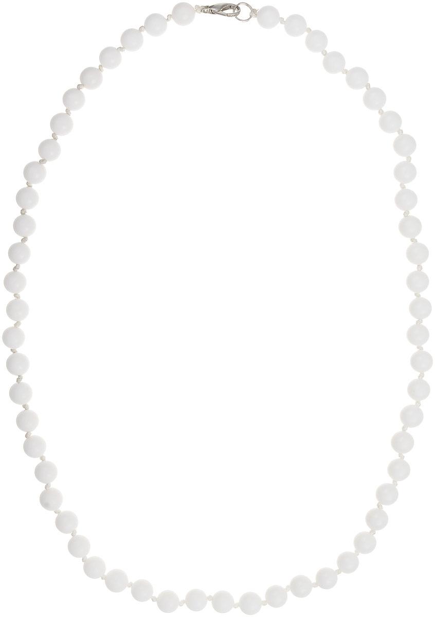 Бусы Art-Silver, цвет: белый, длина 55 см. КХ8-55-270Бусы-ниткаБусы Art-Silver изготовлены из кахолонга. Изделие оформлено однотонными бусинами и застегивается на металлический замок-карабин из бижутерного сплава.