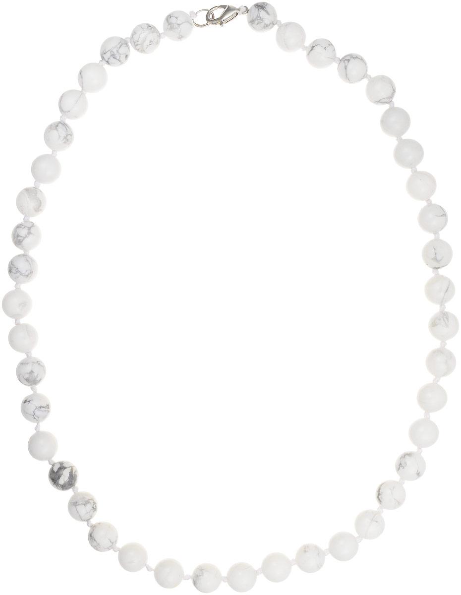 Бусы Art-Silver, цвет: белый, серый, длина 50 см. КХс10-50-366Бусы-ниткаБусы Art-Silver изготовлены из кахолонга. Изделие оформлено бусинами и застегивается на замок-карабин из бижутерного сплава.