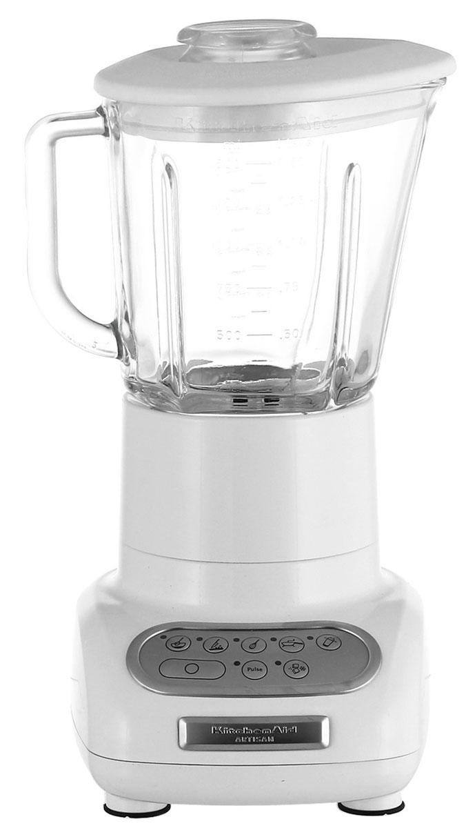 KitchenAid 5KSB5553EWH, White блендер5KSB5553EWHБлендер KitchenAid Artisan 5KSB5553EWH позволяет не только приготовить пюре и перетереть ингредиенты, но также перемешивать, резать и взбивать разнообразные продукты или измельчать лед для коктейлей и других напитков. Это идеальный кухонный прибор, который пригодится вам в течение всего дня.Стеклянный кувшин может выдерживать большой диапазон температур, что позволяет обрабатывать как холодные, так и горячие ингредиенты. Он также устойчив к появлению царапин и пятен и не впитывает запахи. Более того, размер кувшина позволяет обработать за один раз большой объем продуктов.Скорость легко переключается шестью кнопками. Кнопки расположены на сенсорной панели управления в порядке увеличения скорости, а сама панель легко моется, поскольку на ней отсутствуют какие-либо щели или неровности.Структуру перемешиваемых ингредиентов и степень их измельчения можно регулировать с помощью кнопки пульсации. Кнопку пульсации можно использовать на любой скорости, кроме скорости измельчения, поскольку в последнем случае для достижения оптимального результата режим пульсации включается автоматически через неравные промежутки времени.