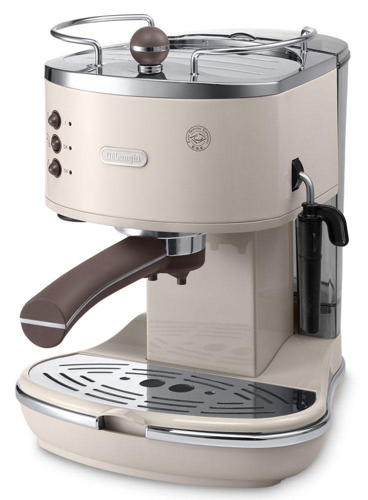 DeLonghi Icona Vintage ECOV311, Beige рожковая кофеваркаECOV311.BGIcona Vintage ECOV311 от DeLonghi сочетает в себе стильный ретро-дизайн и самые современные технологии приготовления крепкого эспрессо и вкуснейшего капучино с пышной молочной пенкой.Удобная и простая в управлении, кофеварка может готовить кофе из смолотых зёрен или используя порционный кофе в чалдах E.S.E. Держатель фильтра имеет систему Crema, благодаря которой достигается идеальная кофейная пенка для вашего эспрессо. Нажатием одной кнопки можно быстро вспенить холодное молоко для вашего капучино. Вы можете приготовить одновременно две чашки напитка, если хотите выпить кофе с другом.Для того чтобы обеспечить оптимальную температуру напитка и глубже раскрыть его вкус, кофеварка предварительно подогреет вашу чашку на специальной поверхности.Благодаря системе автоматической поддержки давления и температуры, кофеварка всегда готова для использования и может начать варить ваш кофе в любой момент.Аппарат имеет прочный металлический корпус, а бойлер изготовлен из гигиеничной нержавеющей стали, что гарантирует долгий срок службы кофеварки.