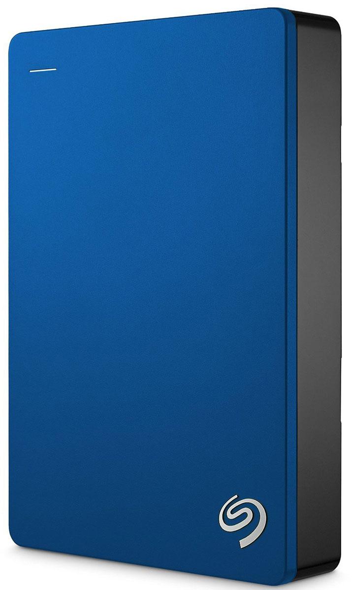 Seagate Backup Plus Portable 5TB USB 3.0, Blue внешний жесткий диск (STDR5000202)STDR5000202Внешний жесткий диск сочетает в себе мобильность переносного устройства и высокую емкость жесткого диска для настольных ПК. На этом диске с обтекаемым металлическим корпусом можно хранить до5ТБ данных - вдвое больше, чем на 2.5-дюймовых портативных дисках. Ваши фильмы, музыка и фотографии всегда будут с вами - где бы вы ни находились.Поддержка интерфейса USB 3.0 для высокоскоростной передачи данных позволяет мгновенно подключиться к настольному ПК без дополнительного блока питания. Установите предварительно загруженный драйвер NTFS для Маc и используйте этот диск сразу в двух ОС - Windows и Маc - без переформатирования.Программное обеспечение Seagate Dashboard позволяет сохранять резервные копии данных с локальных компьютеров, мобильных устройств, облачных хранилищ и социальных сетей. Создать резервную копию и защитить файлы - проще простого. Достаточно лишь нажать на кнопку. Портативный диск Backup Plus также поддерживает автоматическое резервное копирование по заданному графику. Установите бесплатное приложение Seagate Mobile Backup на мобильное устройство с iOS или Android и создавайте резервные копии всех фотографий и видеороликов на внешнем диске или в облачном хранилище.Портативный диск Backup Plus - это 200 ГБ облачного пространства на OneDrive с подпиской на 2 года, а также дополнительная защита данных и повсеместный доступ к самым важным файлам. Создавайте резервные копии данных в облаке с помощью OneDrive или Seagate Dashboard. Храните резервные копии в облаке (на Google Диске или Dropbox), создавайте резервные копии медиаконтента из социальных сетей Facebook и Flickr.
