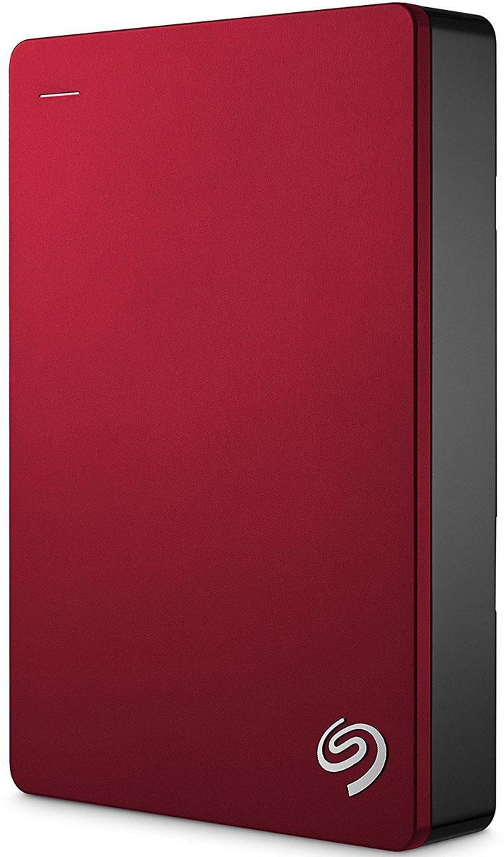 Seagate Backup Plus Portable 5TB USB 3.0, Red внешний жесткий диск (STDR5000203)STDR5000203Внешний жесткий диск сочетает в себе мобильность переносного устройства и высокую емкость жесткого диска для настольных ПК. На этом диске с обтекаемым металлическим корпусом можно хранить до5ТБ данных - вдвое больше, чем на 2.5-дюймовых портативных дисках. Ваши фильмы, музыка и фотографии всегда будут с вами - где бы вы ни находились.Поддержка интерфейса USB 3.0 для высокоскоростной передачи данных позволяет мгновенно подключиться к настольному ПК без дополнительного блока питания. Установите предварительно загруженный драйвер NTFS для Маc и используйте этот диск сразу в двух ОС - Windows и Маc - без переформатирования.Программное обеспечение Seagate Dashboard позволяет сохранять резервные копии данных с локальных компьютеров, мобильных устройств, облачных хранилищ и социальных сетей. Создать резервную копию и защитить файлы - проще простого. Достаточно лишь нажать на кнопку. Портативный диск Backup Plus также поддерживает автоматическое резервное копирование по заданному графику. Установите бесплатное приложение Seagate Mobile Backup на мобильное устройство с iOS или Android и создавайте резервные копии всех фотографий и видеороликов на внешнем диске или в облачном хранилище.Портативный диск Backup Plus - это 200 ГБ облачного пространства на OneDrive с подпиской на 2 года, а также дополнительная защита данных и повсеместный доступ к самым важным файлам. Создавайте резервные копии данных в облаке с помощью OneDrive или Seagate Dashboard. Храните резервные копии в облаке (на Google Диске или Dropbox), создавайте резервные копии медиаконтента из социальных сетей Facebook и Flickr.