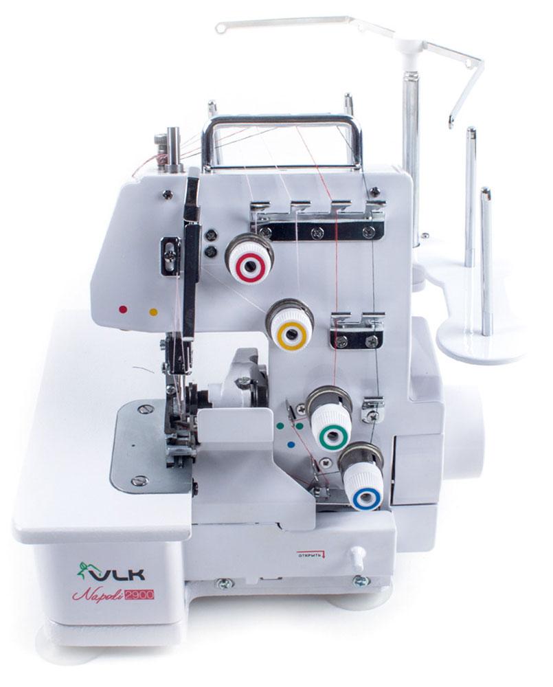 VLK Napoli 2900 оверлокVLK Napoli 2900Оверлок VLK Napoli 2900 выполнен в цельнометаллическом корпусе, что придает особую устойчивость конструкции и соответственно, позволяет обрабатывать ткани на большой скорости и в большом объеме.Что касается скорости шитья, она составляет 1200 стежков в минуту и является максимально высокой для оверлока. Однако скорость шитья регулируется упорным винтом на педали, поэтому шитье на оверлоке VLK Napoli 2900 доступно даже начинающей портнихе. Одновременно с обмётыванием оверлок обрезает излишки ткани с помощью высококачественного стального ножа.Оверлок VLK Napoli 2900 одновременно выполнит строчку, аккуратно обрежет край изделия и красиво его обметает.Кроме того, регулятор прижима ткани позволит настроить машину даже для обработки особо эластичных тканей. Оверлок позволяет выполнить 12 видов шва.Полный комплект аксессуаров (иглы, пружины, винты, игольная пластина) и запасных частей (запасные ножи, отвёртки, масленка) сделают использование оверлока особо удобным и комфортным.
