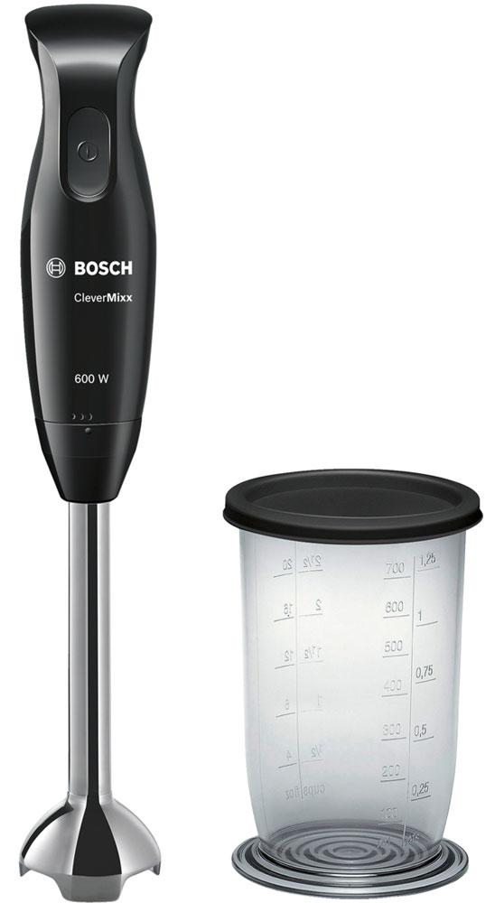 Bosch MSM2610B блендерMSM2610BПогружной блендер Bosch MSM2610B позволит вам готовить с удовольствием. Устройство обеспечивает быстрый результат и отличное качество благодаря мощному мотору 600 Ватт. В комплекте вы найдете прозрачный мерный стакан, при помощи которого удобно отмерять нужное количество продуктов и смешивать их непосредственно в стакане, а удобная крышка позволит хранить его в холодильнике. Нож с 4 острыми лезвиями гарантирует отличные результаты при смешивании и измельчении продуктов. Погружная часть изготовлена из высококачественной нержавеющей стали. Не вступает в реакцию с продуктами питания, не окрашивается при взаимодействии с томатами и морковью.Небольшой вес прибора и эргономичная форма ручки созданы для комфортной работы. Bosch MSM2610B смешивает и измельчает продукты качественно и без брызг благодаря специальной конструкции погружной части.