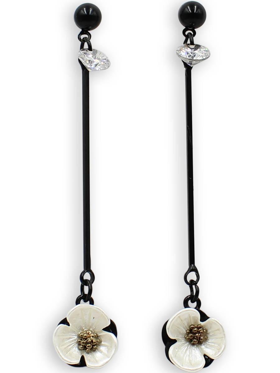 Серьги Taya, цвет: черный, перламутровый. T-B-12373Серьги с подвескамиСерьги-гвоздики с заглушкой металл-пластик изготовлены из бижутерного сплава. Столбик сережек украшен конусовидным кристаллом, цветок на тарелочке выполнен из натурального перламутра, он нежный и бархатный.