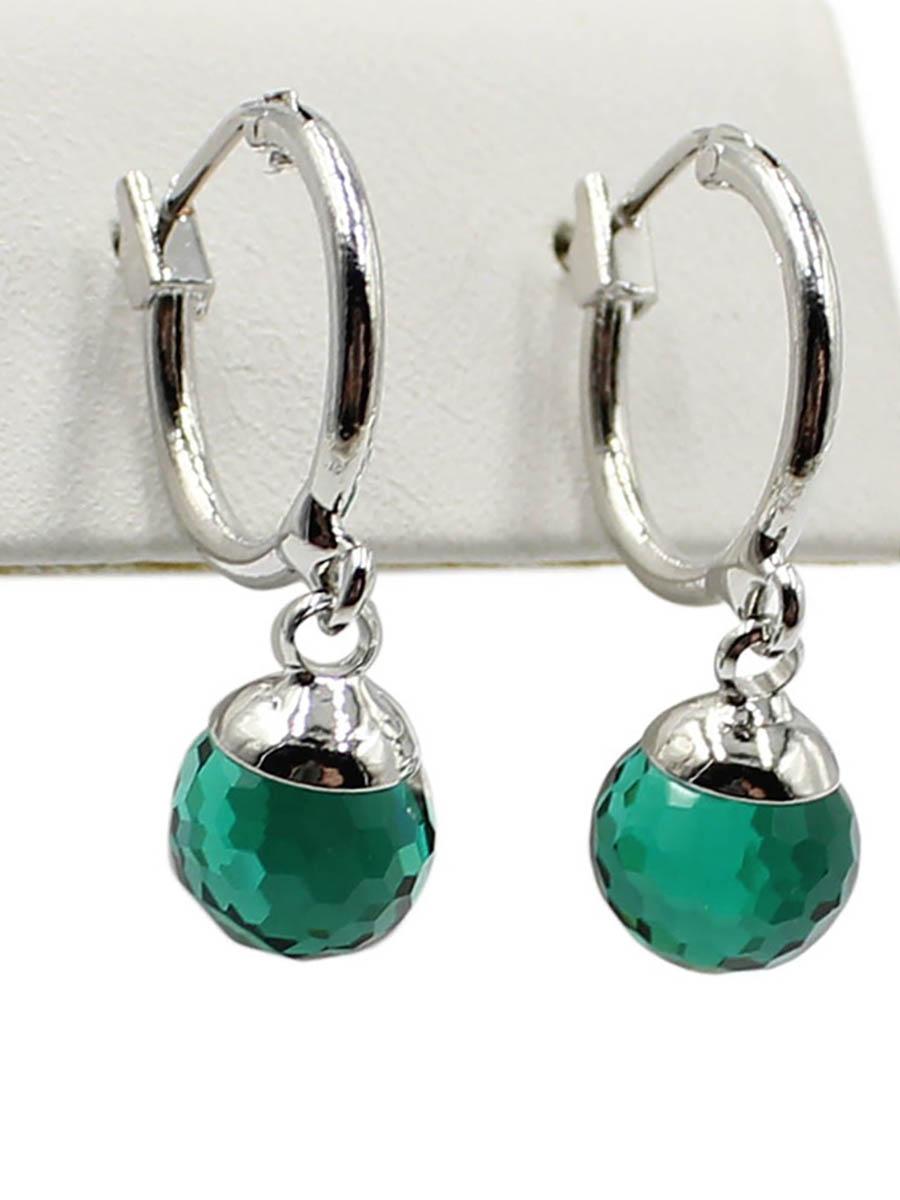 Серьги Taya, цвет: серебристый, зеленый. T-B-12384Серьги с подвескамиСерьги с итальянской застежкой изготовлены из бижутерного сплава. Классические серьги-кольца с подвеской. Подвеска оформлена в виде сияющего кристалла.