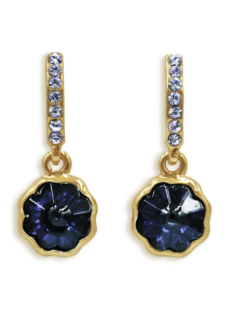 Серьги Taya, цвет: золотистый, темно-синий. T-B-12427Серьги с подвескамиСерьги-гвоздики с заглушкой металл-пластик изготовлены из бижутерного сплава. Маленькие, идеально нежные серьги выполнены в форме цветочков на подвеске. Цветочки оформлены сверкающими камушками.