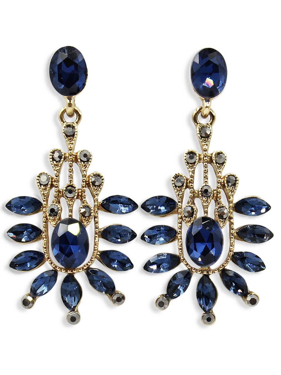 Серьги Taya, цвет: золотистый, темно-синий. T-B-12449Пуссеты (гвоздики)Серьги-гвоздики с заглушкой металл-пластик изготовлены из бижутерного сплава. Выполнена модель из сочетания различных стилей и элементов, таких как: форма журавлиного пера в серебряной основе, цветок в расположении кристаллов.