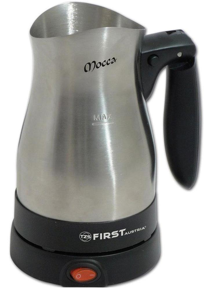 First FA-5450-1 кофеварка-туркаFA-5450-1По своему строению, кофеварка-турка First FA 5450-1 похожа на электрочайник без крышки. В ее чашу засыпается кофе, сахар, специи, затем заливается вода. Смесь доводится до момента кипения, после чего прибор снимается с подставки, тем самым прекращая работу. Процедура может повторяться несколько раз.Потребляемая мощность электротурки позволяет вскипятить напиток немногим более трех минут. По типу нагревательного элемента, модель относится к дисковому (скрытому) типу. Преимуществом дискового типа над спиральным, является высокая площадь контакта с водой и скорость ее нагревания.На корпусе First FA 5450-1 есть отметка максимального уровня воды. Сетевой кабель подведен к подставке, а беспроводная чаша вращается на 360°. Это достигается с помощью специальных круглых контактов в подставке и днище. Кнопка включения/выключения прибора находится на подставке. В нее встроен световой индикатор питания. При недостаточном уровне воды или ее полном выкипании, предусмотрена функция защиты от перегрева (аварийного отключения). На нижней части основы находятся прорезиненные ножки, которые обеспечивают устойчивое положение прибора на гладкой поверхности стола или столешницы.