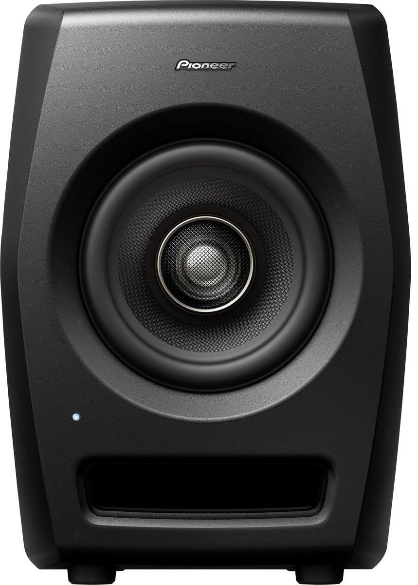 Pioneer RM-05 активная акустическая система для студии404605Pioneer RM-05 — референсная мониторная акустика для профессиональных студий. Сконструирована с использованием технологий профессионального звука и имеет нейтральное неокрашенное звучание при высоком звуковом давлении SPL и ясной читаемости во всем частотном диапазоне. Мониторы подойдут для работы в ближнем поле над задачами, требующими высокого разрешения.Ставка сделана на инновации в дизайне, коаксиальную конструкцию динамика и, как следствие, улучшенные акустические характеристики. Высокочастотный резонатор располагается по центру громкоговорителя, благодаря чему звук исходит из одной точки. Динамики из арамидового волокна уменьшают воздушные колебания, а полуторадюймовый высокочастотный резонатор предназначен для воссоздания экстремально высоких частот.