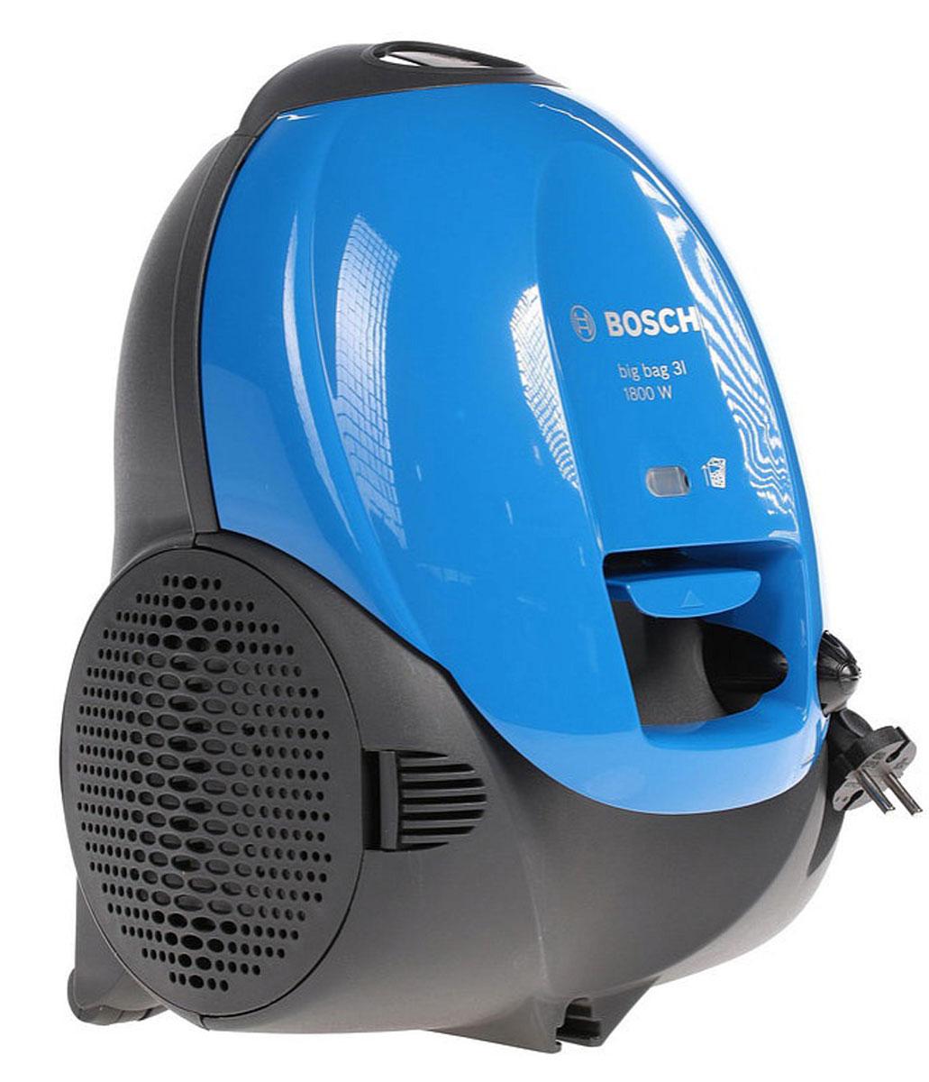 Bosch BSM1805RU, Blue пылесосBSM1805RUБлагодаря высокой мощности пылесос Bosch BSM1805RU обеспечивает безупречное качество уборки. С набором аксессуаров (щелевая насадка, насадка для мягкой и корпусной мебели, насадка пол/ковер) вам подвластны труднодоступные места. Всегда качественный результат уборки. Благодаря большому радиусу действия 8 м можно убрать даже большую квартиру за один подход.
