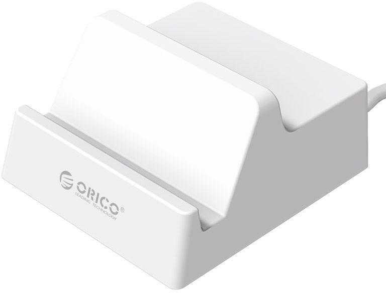 Orico CHK-4U зарядное устройство + подставкаCHK-4UOrico CHK-4U USB 4-Portsпредставляет собой зарядное устройство с 4 USB портами, которое позволяет заряжать до 4 устройств одновременно. Сила тока на выходе для каждого порта составляет 2.4 A. Данная модель обладает лаконичным эргономичным дизайном, не займет много места на вашем столе, прекрасно впишется в рабочее пространство. Стоит отметить, представленное изделие имеет специальное углубление для телефонов и планшетов, в которое они могут быть установлены под удобным для просмотра фильмов углом в 60°. Преимуществом рассматриваемой модели является также тот факт, что она гарантирует полную защиту заряжаемых устройств от короткого замыкания и перенапряжения.