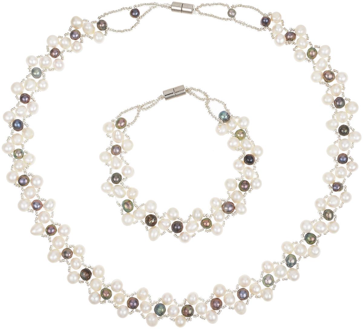 Комплект бижутерии Art-Silver: ожерелье, браслет, цвет: серый. N063-725Колье (короткие одноярусные бусы)Великолепный комплект бижутерии Art-Silver состоит из оригинального ожерелья и браслета. Изделия выполнены из бижутерного сплава, жемчуга и бисера. Ожерелье оформлено бусинами, застегивается на магнитный замок. Браслет так же оформлен бусинами и застегивается на магнитный замок.