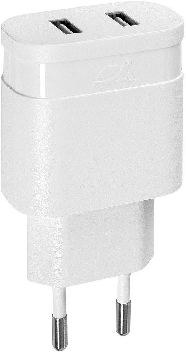 Rivapower VA4122 W00, White сетевое зарядное устройствоVA4122 W00Универсальное сетевое зарядное устройство Rivapower VA4122 совместимо со всеми устройствами, использующими USB порт для зарядки своих аккумуляторов. Позволяет заряжать 2 устройства одновременно, занимая всего одну розетку. Высококачественные компоненты, встроенные фильтры, защита от скачков напряжения, защита от перегрузки, перегрева и короткого замыкания делают процесс зарядки быстрым, эффективным и безопасным. Корпус сделан из негорючего пластика, устойчивого к механическим повреждениям.Компактные размеры зарядного устройства позволяют свободно пользоваться соседними розетками и делают его очень удобным в поездках.
