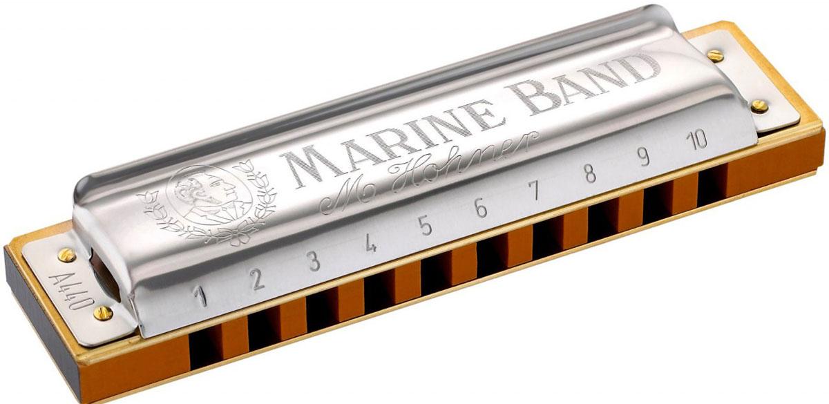 Hohner Marine Band 1896/20 A (M1896106X) губная гармошкаDNT-16499Hohner Marine Band Classic 1896/20 - это традиционная блюзовая гармошка, появившаяся больше века назад. Корпус, выполненный из груши, медные язычки, прикрепленные гвоздиками, никелированная накладка специальной формы и открытая стенка придают гармошке теплое, по-настоящему блюзовое звучание.Латунные платы крепятся большим количеством гвоздей, язычки оптимальны по габаритам - достаточно длинные и узкие, это придает им высокую чувствительность и подвижность, тембр с характерной хрипотцой.20 язычковКоличество отверстий: 10Платы: медь (0,9 мм)Корпус: Дерево груша (pearwood)Тональность: АДлина: 10 см