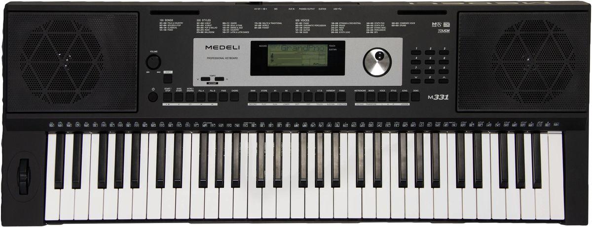 Medeli M331 цифровой синтезаторM331Синтезатор Medeli M331 относится к категории инструментов начального уровня и позволит молодым талантам поднять свой музыкальный уровень на качественно новую ступень. Несмотря на бюджетную цену, модель наделена качественным звучанием, которое воспроизводит 128-нотная полифония. Увеличена библиотека встроенных звуков. В ней собрано тембры 633 музыкальных инструментов и 220 стилей автоматического аккомпанемента. Выходное звучание может обрабатываться с помощью DSP-эффектов, в том числе эквалайзера с заданными предустановками. Доступны и более традиционные спецэффекты: хорус, реверберация, дилей; а также модные варианты – ротари и флэнджер.Вершиной технологического решения можно назвать программное обеспечение, предназначенное для создания пользовательских стилей. Подключив синтезатор к компьютеру с предварительно установленной программой, пианист сможет реализовать свои самые смелые музыкальные фантазии. Инструмент позволяет сохранить всего 10 композиций на 6 треках. Творческий помощник поможет исполнить сложный пассаж красиво, гармонизируя аккорды. Предустановленную систему обучения дополняет коллекция из 160 песен, которые можно разучивать. Кроме того, пользователь сможет записать 10 композиций по своему вкусу.