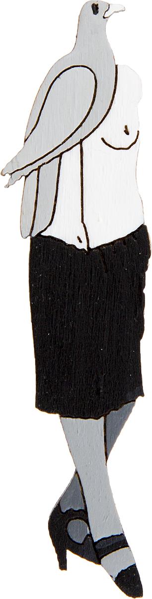 Брошь Santa conversazione. Дерево, роспись, ручная работа. РоссияБрошь-булавкаБрошь выполнена по картине Макса Эрнста Santa conversazione, 1921 г.Дизайнеры: Олеся Луконина, Николай Уренцов.Дерево, роспись, ручная работа.Россия.Размер: 6 х 1,5 см.Тип крепления - булавка с застежкой.Брошь унисекс - подойдет как необычное украшение для мужчин и женщин! Можно носить на одежде, шляпе, рюкзаке или сумке.
