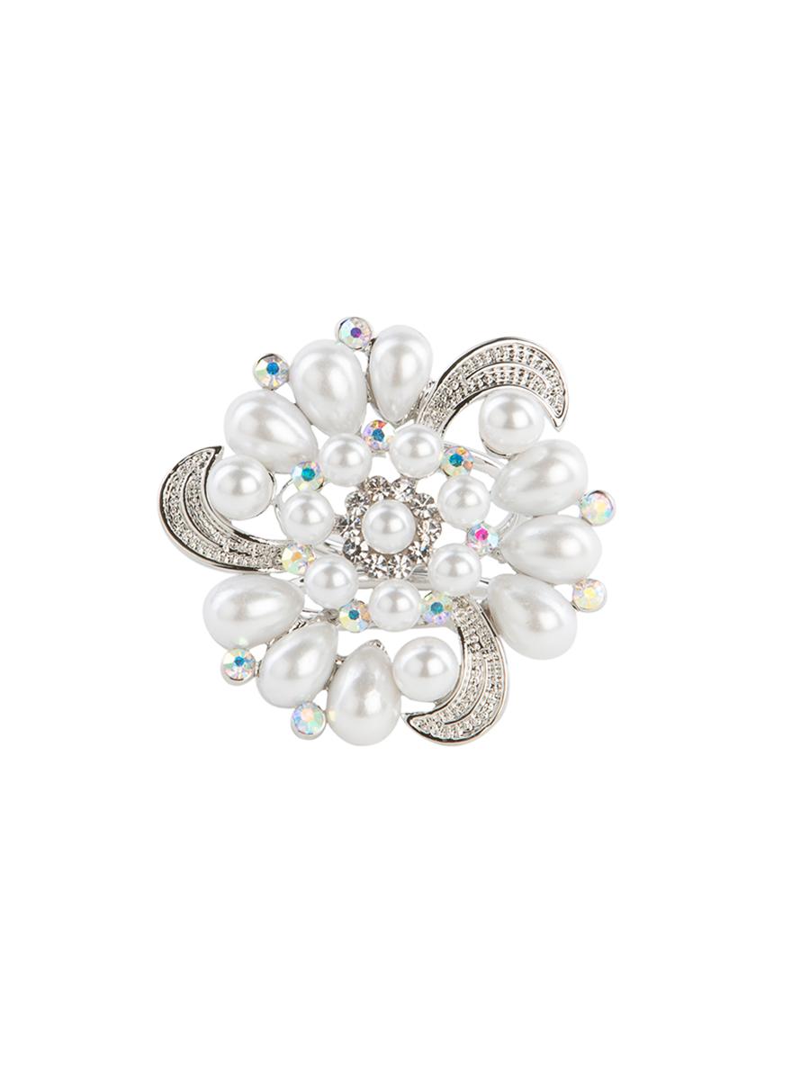 Кольцо для платка Charmante, цвет: серебро. ZK016Кольцо для платкаОригинальное кольцо для платка Charmante выполнено из металла в виде цветка. Кольцо декорировано стразами и жемчужными бусинами. Аксессуар с внутренней стороны дополнен кольцами-держателями.Стильное кольцо придаст вашему образу изюминку и подчеркнет индивидуальность.