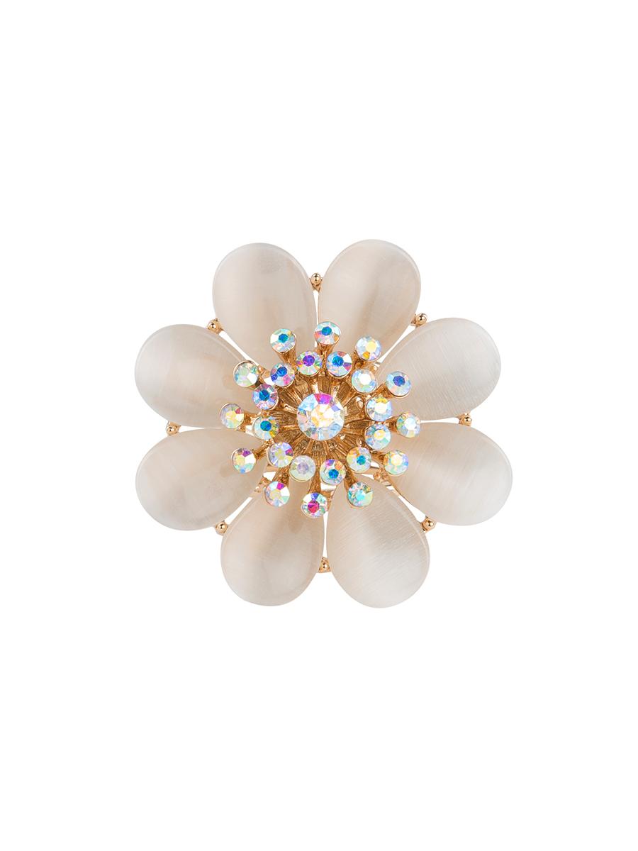 Кольцо для платка Charmante, цвет: белый, золотой. ZK017Кольцо для платкаОригинальное кольцо для платка Charmante выполнено из металла в виде цветка. Кольцо декорировано стразами и жемчужными бусинами. Аксессуар с внутренней стороны дополнен кольцами-держателями.Стильное кольцо придаст вашему образу изюминку и подчеркнет индивидуальность.