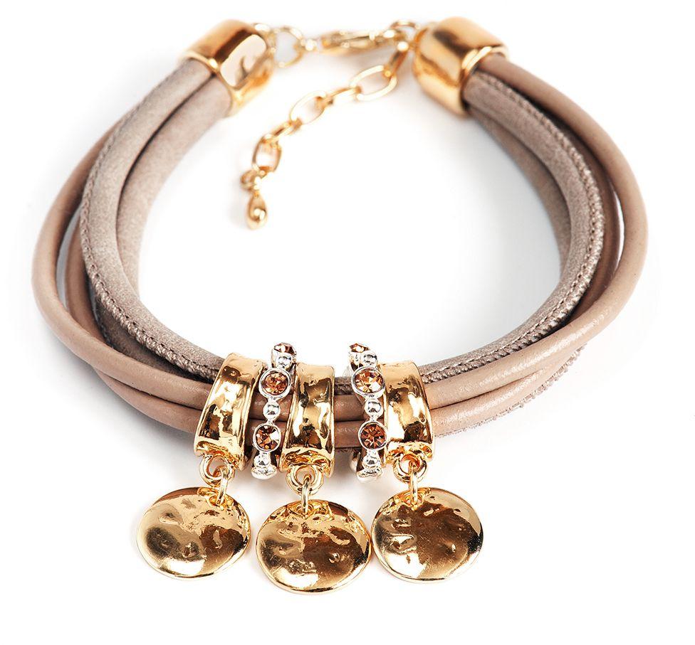 Браслет Selena, цвет: темно-бежевый, золотистый. 40062030Глидерный браслетИзящный браслет Selena изготовлен из натуральной кожи и латуни. Браслет состоит из нескольких шнуров, украшенных декоративным элементом с кристаллами Preciosa. Гальваническое покрытие: желтое золото, родий.Тип застежки - карабин с цепочкой.Стильный браслет поможет дополнить любой образ и привнести в него завершающий яркий штрих.