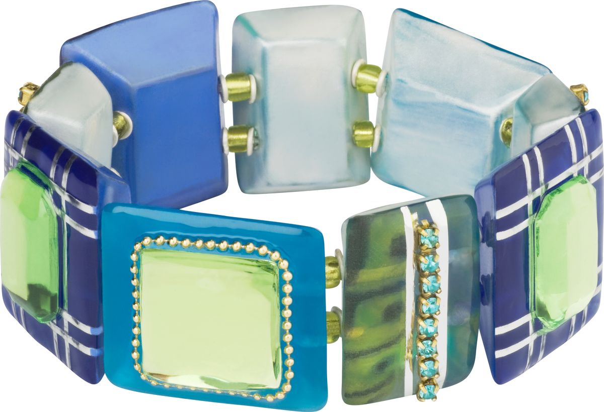 Браслет Lalo Treasures, цвет: синий, голубой. B250139864|Серьги с подвескамиОригинальный браслет Lalo Treasures выполнен из ювелирной смолы и металлического сплава. Декоративные элементы собраны на эластичной резинке, с помощью которой браслет растягивается до необходимого размера.Стильное украшение поможет дополнить любой образ и привнести в него завершающий яркий штрих.