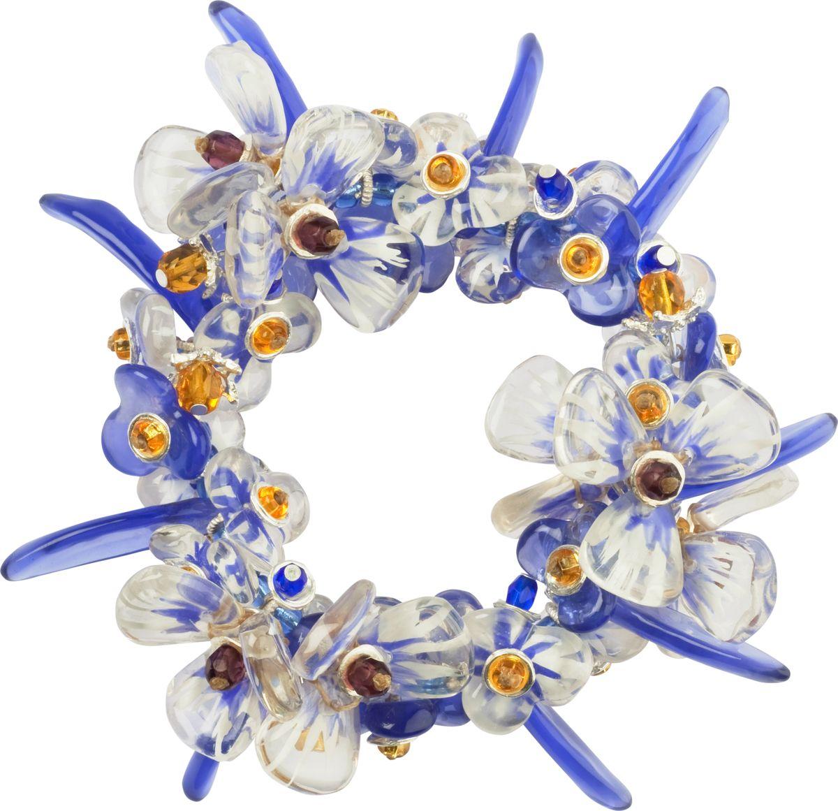 Браслет Lalo Treasures, цвет: синий, прозрачный. B2433/3Браслет с подвескамиОригинальный браслет Lalo Treasures выполнен из ювелирной смолы и металлического сплава. Декоративные элементы собраны на эластичной резинке, с помощью которой браслет растягивается до необходимого размера.Стильное украшение поможет дополнить любой образ и привнести в него завершающий яркий штрих.