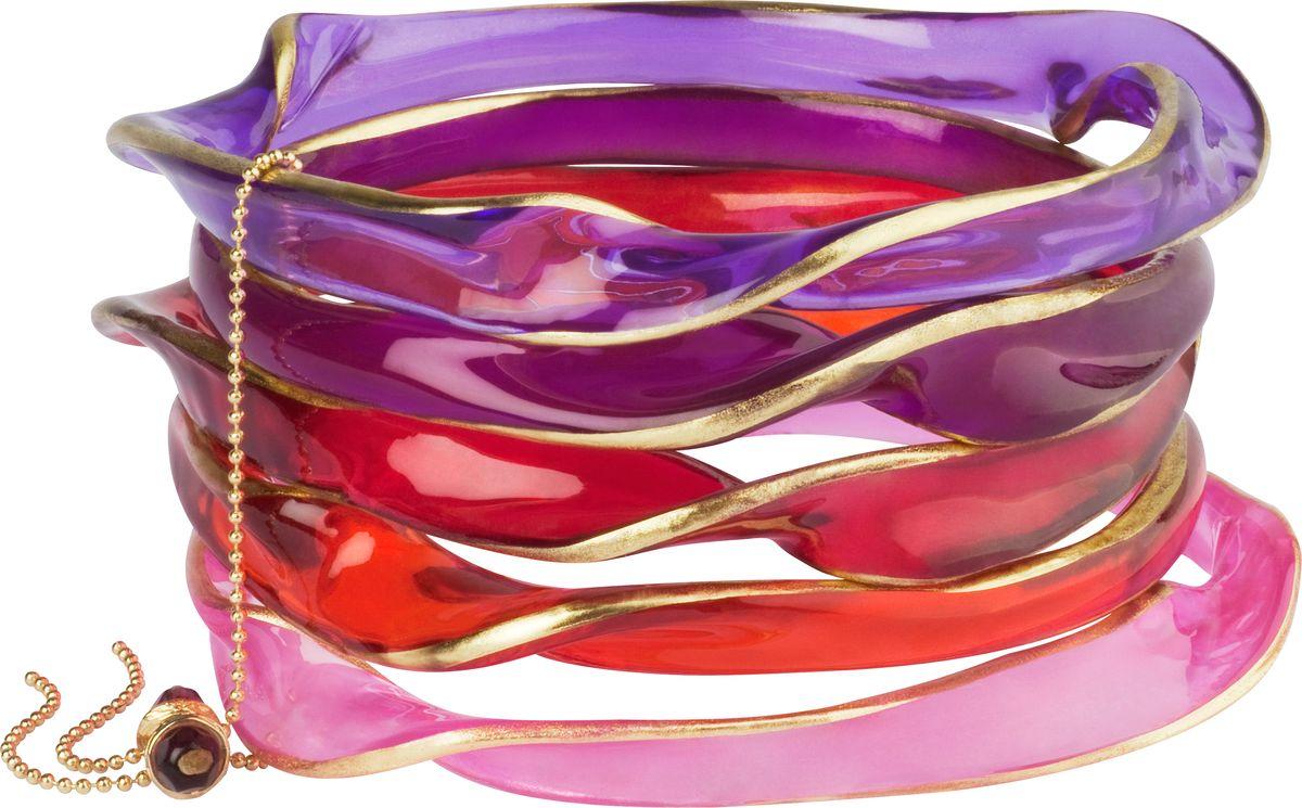 Браслет Lalo Treasures, цвет: сиреневый. Bn2530/1Браслет с подвескамиОригинальный браслет Lalo Treasures выполнен из ювелирной смолы и металлического сплава. Декоративные элементы собраны металлической цепочкой с бусинами.Стильное украшение поможет дополнить любой образ и привнести в него завершающий яркий штрих.