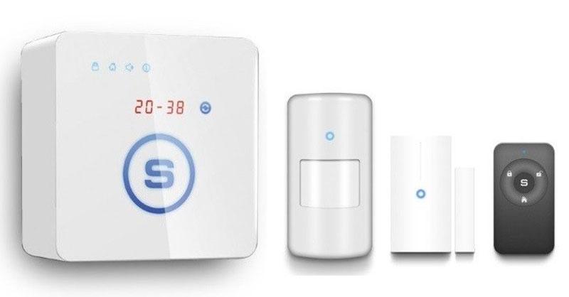 Sapsan GSM Pro 5S комплект беспроводной GSM-сигнализации1238Sapsan GSM Pro 5S - домашняя миниатюрная беспроводная сигнализация, которая охраняет помещение, контролирует температуру, передает информацию о состоянии помещения и работоспособности датчиков и сигнализации.Модель оборудована сенсорными кнопками управления, с изменяемой подсветкой мягкого синего цвета, LED дисплеем с пятью 7-ми секторными индикаторами, на котором отображаются время, температура, номер тревожных зон, сервисная информация и прочее.Корпус системы небольшого размера, чуть больше пачки сигарет, имеет приятное покрытие soft touch, не пачкается и легко впишется в любой интерьер.Наличие в системе распространенного разъема micro USB дает возможность подключить систему к персональному компьютеру и осуществить настройку прибора с помощью программного обеспечения, которое входит в комплект поставки.Любая из 12 радиоканальных зон может работать как в обычном режиме так и в режиме 24 часа (предназначенной специально для аварийных датчиков: дымовых, пожарных, газовых, протечки воды). Каждая зона может быть переименована.Защита от посторонних радиосигналов.При поступлении радиосигнала от чужого брелка или датчика сигнализация пришлет смс на телефон пользователей и включит сирену.Функция SOS.На лицевой панели выделена большая сенсорная кнопка S. Основная функция кнопки – включить тревогу SOS при её нажатии. Длину нажатия и другие функции кнопки можно программировать. Кроме того, каждый брелок постановки/снятия снабжен тревожной кнопкой SOS. В любое время вы можете послать сигнал тревоги.Хотите узнать, когда арендатор покинул квартиру или ребенок пришел домой? Каждый брелок пронумерован и вы получите сообщение какой брелок снял/поставил систему на охрану. Выдайте ребенку, например брелок №3, и вы будете знать во сколько тот пришел со школы или поставил ли дом на охрану уходя на тренировку.Встроенный цифровой температурный датчик позволяет измерять температуру окружающего воздуха в диапазоне от -55 до +125°C