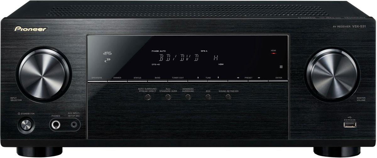 Pioneer VSX-531-B AV-ресиверVSX-531-BPioneer VSX-531-B - 5.1-канальный ресивер с мощностью 5x130 Вт, 4 HDMI-входами и поддержкой протокола HDCP 2.2.AV ресивер имеет четыре HDMI-входа, которые передают на телевизор или проектор видеоматериал в формате UltraHD. Разумеется, посредством HDMI высокое разрешение может иметь и звук: VSX-531 декодирует в том числе многоканальные HD-форматыDolby и dts и благодаря собственной системе автоматической акустической калибровки MCACC компании Pioneer осуществляет точную калибровку звука в соответствии с индивидуальной акустикой ваших помещений.Если вы вместо просмотра фильма предпочитаете насладиться музыкой, то для этого вы, наряду с привычными плеерами, подключаемыми к аналоговому или цифровому входу, можете просто воспользоваться своим смартфоном или планшетом:просто запустите свое любимое музыкальное приложение и осуществите беспроводное соединение устройства с интегрированным Bluetooth-входом VSX-531.USB-разъем на передней панели при необходимости обеспечит подзарядку мобильного устройства, и его можно также использовать для воспроизведения музыкальных фалов в форматах MP3, WMA и AAC непосредственно с USB-накопителя. И не удивляйтесь, если старые, подвергнувшиеся значительному сжатию файлы вдруг зазвучат неожиданно свежо и естественно: компания Pioneer на протяжении десятилетий собирала опыт восстановления потерянных компонентов сигнала – и воплотила его в программе воспроизведения с технологией Advanced Sound Retriever.Для экономии электроэнергии используйте режимы ECO. Режим ECO Mode 1 подходит для воспроизведения CD, 2 канальных аудиофайлов и интернет радио. Более энергоэкономичный режим ECO Mode 2 также работает с фильмами, концертами в живом эфире и другим многоканальным контентом.Этот АВ ресивер поддерживает последние воспроизведение саундтреков Dolby TrueHD и DTS-HD Master Audio surround, так что вы можете наслаждаться, слушая несжатое многоканальное аудио высокого разрешения, воспроизводимое с Blu-ray дисков, а так же 