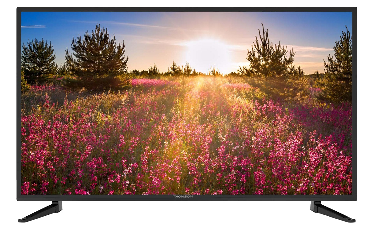 Thomson T28D21DH-01B телевизорT28D21DH-01BТелевизор Thomson T28D21DH-01B с диагональю экрана 28 дюймов оборудован LED подсветкой и поддерживает разрешение HD (1366х768). Оснащен системой динамиков 2.0, выдающих звук общей мощностью 16 Вт. Источником сигнала для качественной реалистичной картинки служат не только цифровые эфирные и кабельные каналы, но и любые записи с внешних носителей, благодаря универсальному встроенному USB медиаплееру. 3 HDMI-порта позволяют подключать современные устройства.Thomson T28D21DH-01B обладает рядом функций, позволяющих добиться наилучшего качества картинки и звука. В их числе шумоподавление. Кроме того, телевизор оснащен удобной функцией TimeShift, благодаря которой при условии подключения к ТВ USB-накопителя, телевизионные трансляции можно ставить на паузу.