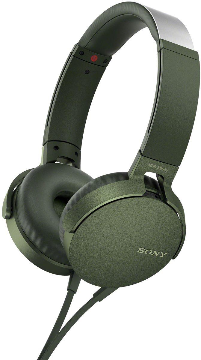 Sony XB550AP Extra Bass, Green наушники92477113Sony XB550AP Extra Bass - наушники для тех, кто любит мощные басы.Прочувствуйте мощь басов в любимых композициях с технологией EXTRA BASS, а яркие цвета наушников наполнят вас энергией и подчеркнут ваш стиль.Переключайтесь с музыки на вызов одним нажатием кнопки на встроенном пульте с микрофоном.Слушайте любимую музыку часами: благодаря мягким ушным накладкам и регулируемому металлическому ободу ваши уши не устанут. Смелый, стильный дизайн этих наушников создан для неординарных людей с хорошим вкусом.Легко управляйте треклистом и настройками звучания. Наушники оснащены встроенным пультом и микрофоном, так что вы сможете переключать треки и отвечать на звонки.