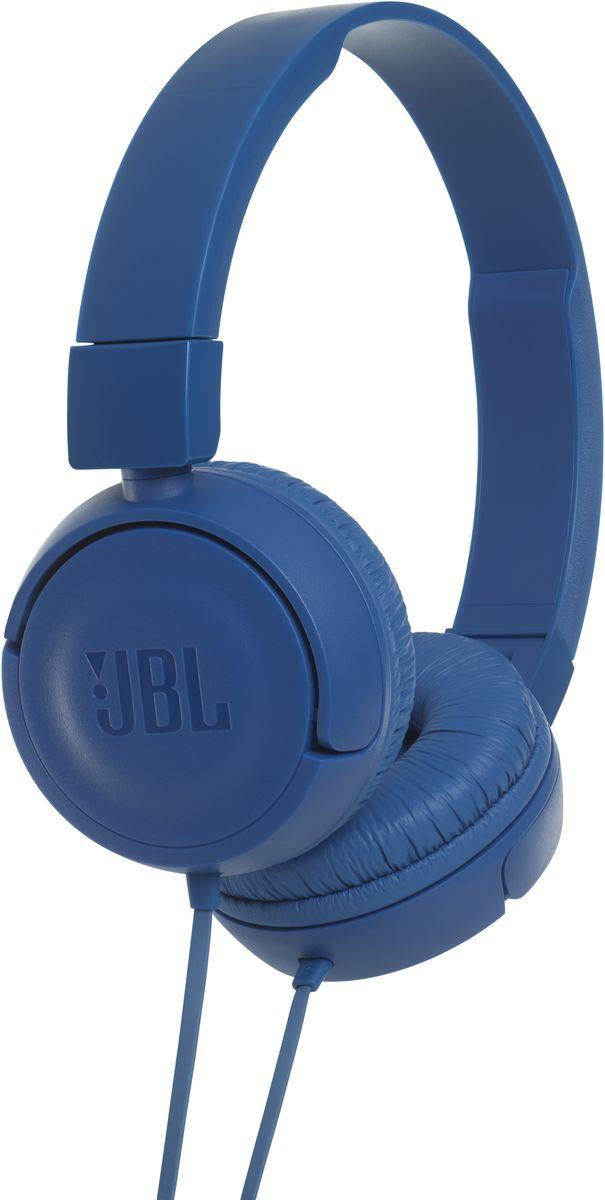 JBL T450, Blue наушникиJBLT450BLUПредставляем накладные наушники JBL T450. Внутри корпуса находится пара 32-мм динамиков, способных выдавать весьма впечатляющие басы и воспроизводить мощный звук JBL Pure Bass, который можно слышать в концертных залах, на спортивных аренах и в звукозаписывающих студиях по всему миру. А еще эти складные наушники легкие, удобные и компактные. Благодаря удобству неспутывающегося плоского кабеля с пультом управления и микрофонами эти наушники станут для вас отличным спутником для повседневного использования на работе, дома и в дороге.