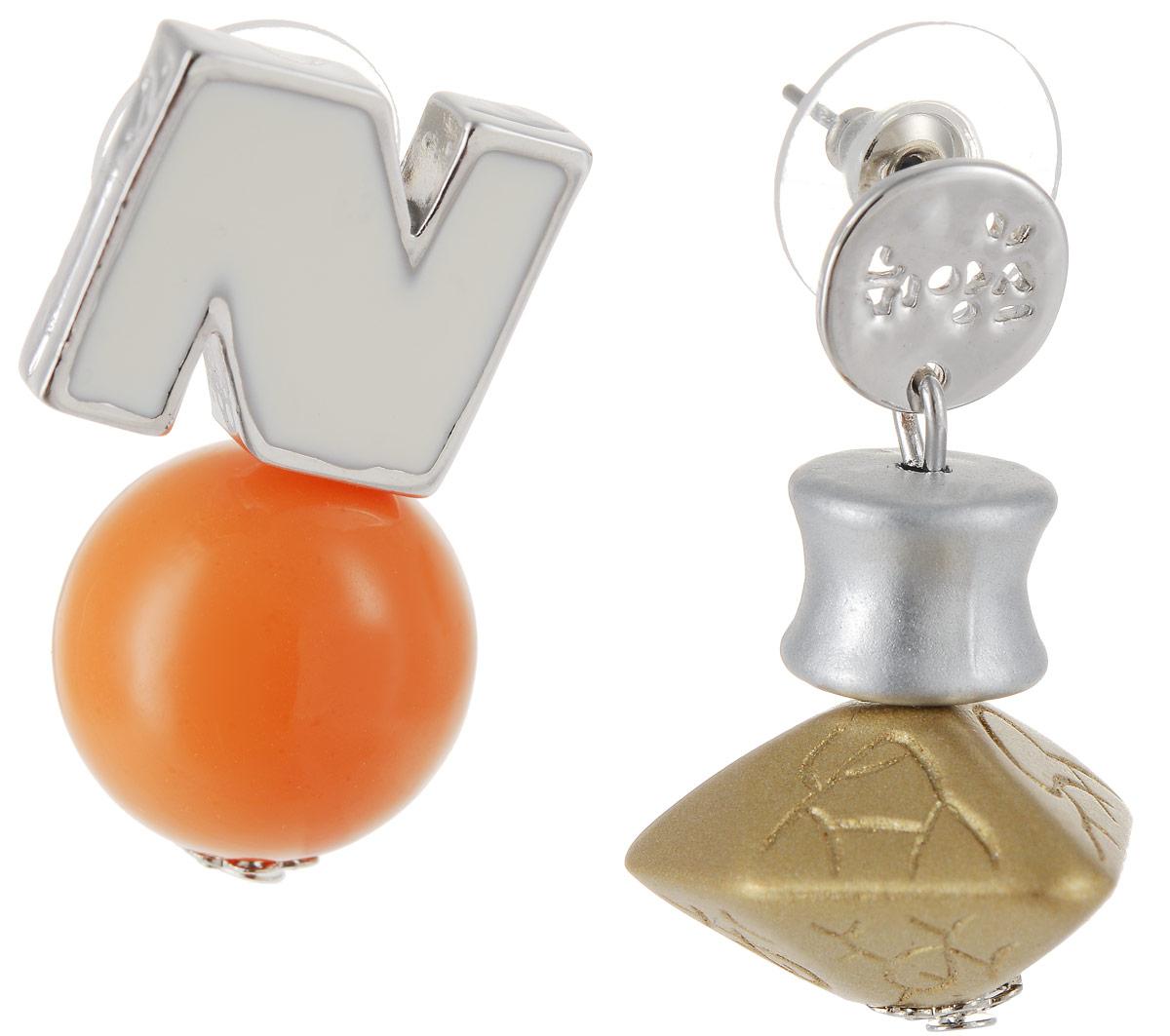 Серьги Art-Silver, цвет: серебряный, оранжевый. СРГО44-332Серьги с подвескамиСтильные серьги Art-Silver выполнены из бижутерного сплава. Две серьги оформлены разными декоративными украшениями. Серьги выполнены с замками-гвоздиками. Такие серьги будут ярким дополнением вашего образа.