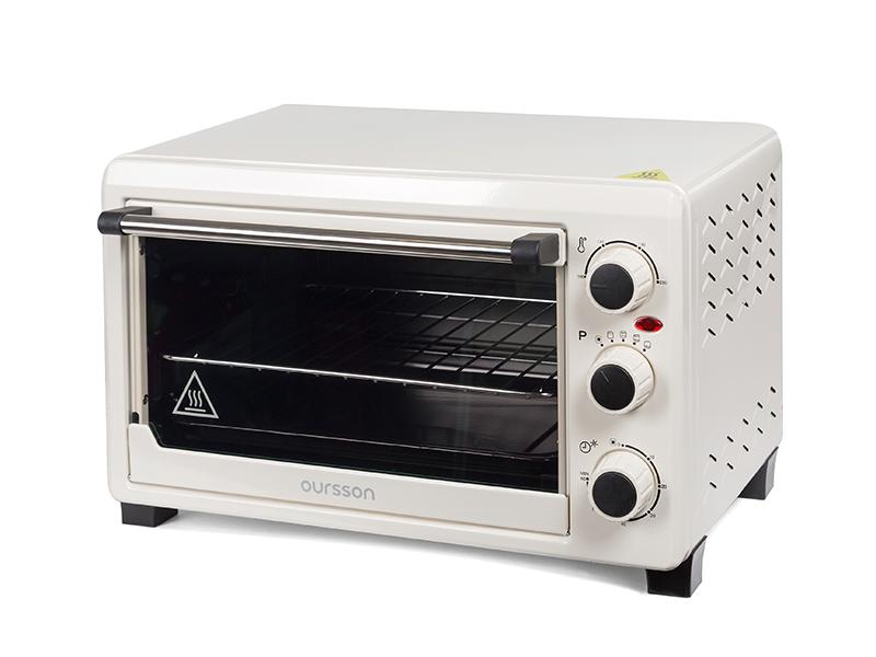 Oursson MO2300/IV мини-печьMO2300/IVКомпактная удобная мини-печь OURSSON MO2300 объемом 23 литра станет достойным помощником на любой кухне, даже на самой маленькой. Готовить в ней легко и просто.Вы сможете порадовать себя и своих близких вкуснейшей выпечкой, ароматным мясом или полезными овощными запеканками.Таймер со звуковым сигналом известит о завершении работы, а функция автоотключения не даст подгореть блюду, если вы будете заняты другими делами.В комплекте есть решетка, эмалированный противень и удобная ручка для извлечения приготовленных блюд из духовки.