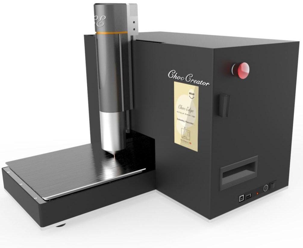 Choc Edge Choc Creator V 2.0 Plus шоколадный 3D-принтерCC2P160807Choc Edge стартовал как исследовательский проект в Университете Эксетера, целью являлось создание 3D принтера, который может производить объекты из материала, который ранее не использовался для 3D печати. Так как шоколад повсеместно любим, было решено, что именно он будет тем идеальным материалом, с которым следует обратиться к энтузиастам в области 3D печати и привлечь людей, которые до этого были не заинтересованы в этой технологии. В результате был создан Choc Creator или Создатель шоколада и в 2012 году Choc Creator стал первым в мире коммерчески доступным 3D принтером, печатающим шоколадом. Первый Choc Creator сразу же поразил воображение общественности и средств массовой информации и вслед за ним были выпущены такие принтеры как Choc Creator V2 и 2.0 Plus. Целью Choc Edge является переворот в создании шоколада и опыт потребления с новейшей 3D технологией печати шоколадом. С помощью Choc Creator пользователям стал доступен беспрецедентный уровень индивидуализации, гибкости и контроля над своими творениями.