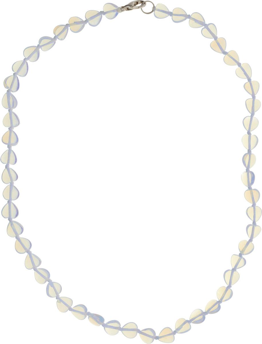 Бусы Револю Сердечки, цвет: голубой. П7655Колье (короткие одноярусные бусы)Размер камня: 8 х 8 мм. Удивительный лунный камень действительно кажется сотканным только из света - он так маняще блестит и переливается! Его невесомое сияние придаёт вашему облику особенную утончённость и таинственность! Чудесные украшения из великолепного лунного камня - это секрет вашего обаяния, загадка вашей красоты!