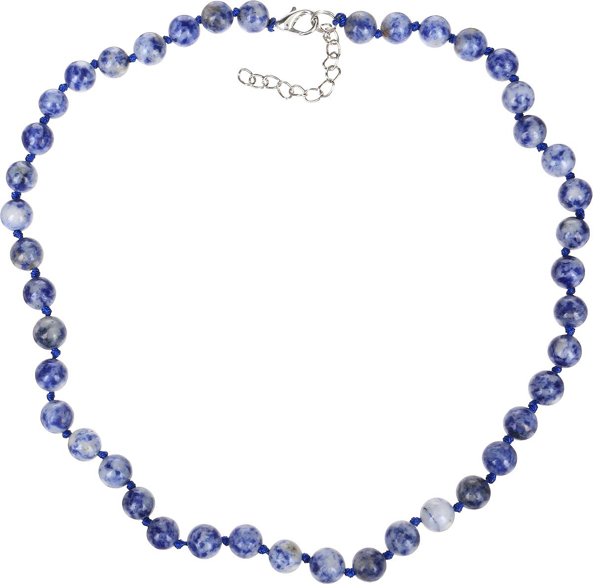 Бусы Револю Классика № 8, цвет: синий. НСД-1(8)-44-1Колье (короткие одноярусные бусы)Синий содалит - это камень очаровательный и эффектный. Он имеет цвет тёплого южного моря. Завораживающий цвет содалита особенно понравится обладательницам синих глаз - ведь с этим великолепным украшением, в котором сияет синий содалит, ваши прекрасные очи засияют, словно звёзды!